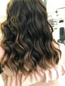OPEN Hair & Beauty shatush frizura, festett haj Barcza Maximiliántól